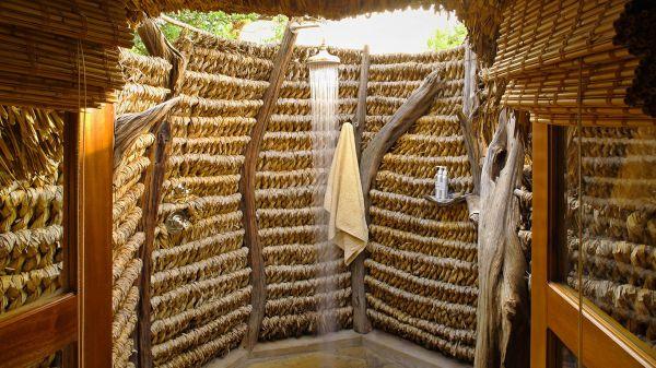 kifaru-house-lewa-outdoor-shower23EC77B2-231D-4C09-187C-EEBC57602A8F.jpg